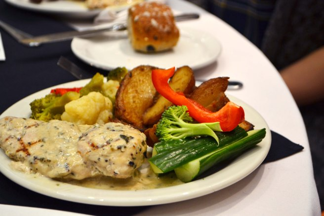Seared chicken breast with tarragon cream sauce